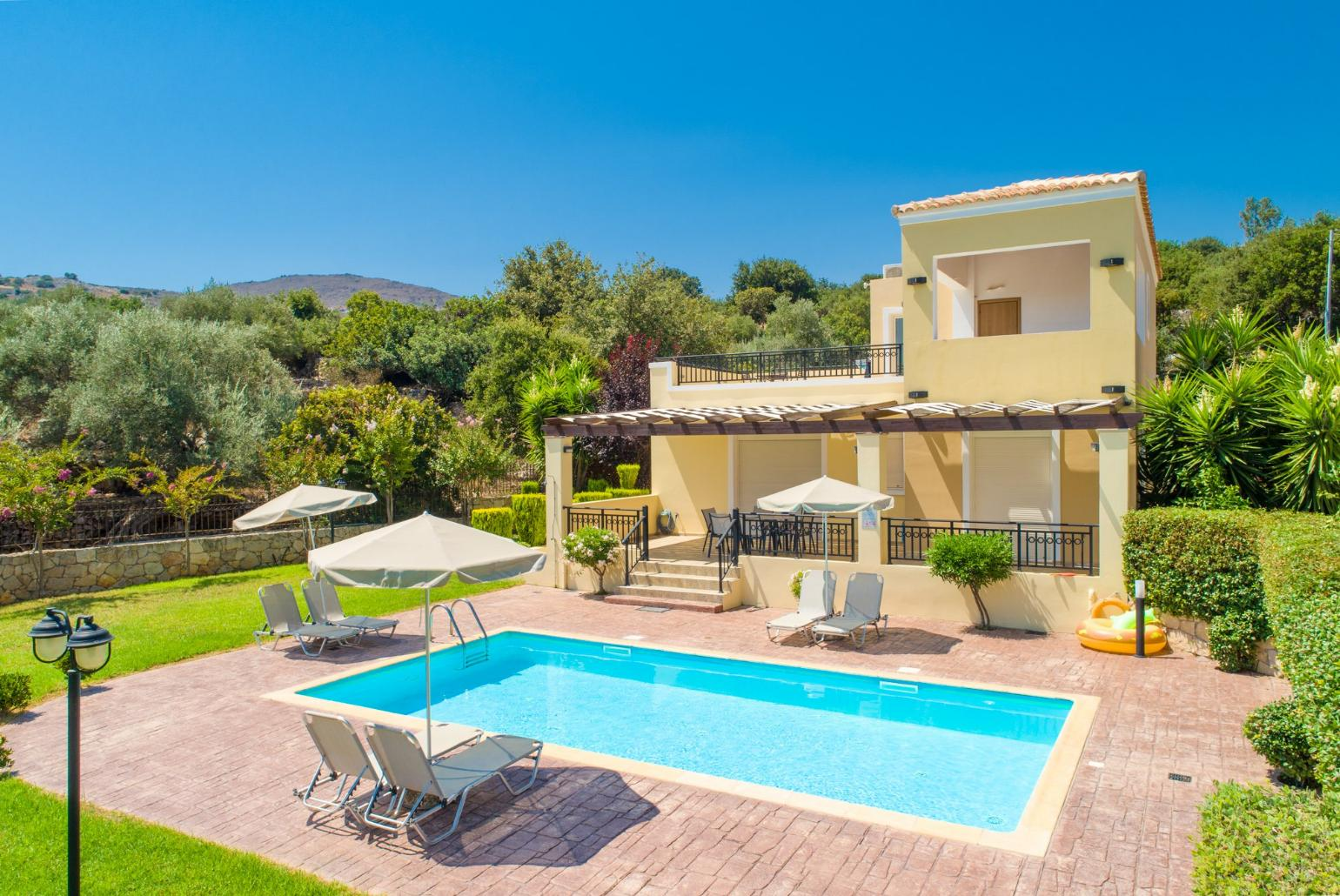 Villa Mary Crete Gerani  Crete Villas to Rent with